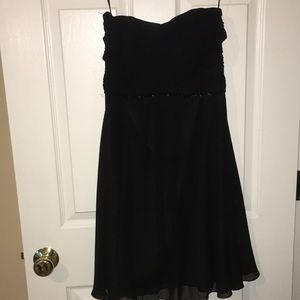 Formal Knee-length Dress
